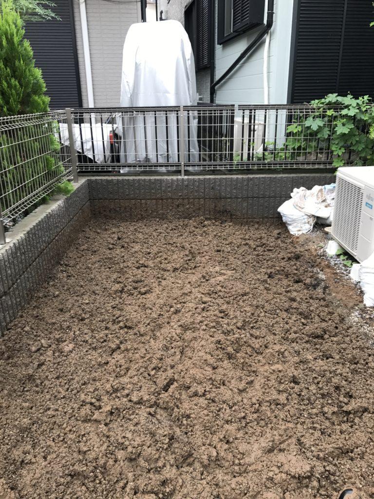 土の埋め終わり